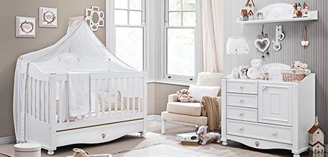 Çok Güzel Beyaz Renkli Çilek Bebek Odaıs Takımı
